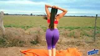 Amazing Body Teen Stretching. Big Cameltoe, Big Ass, Lycras
