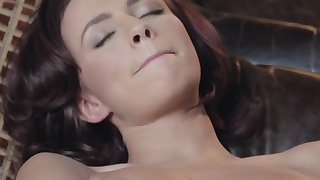Victoria Lynn pleases herself with a pussy knead
