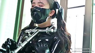 Cute latex tolerant does metal bondage and breathplay