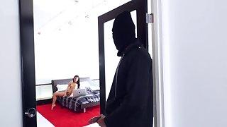 Masked robber fucks ebony girl in their way room